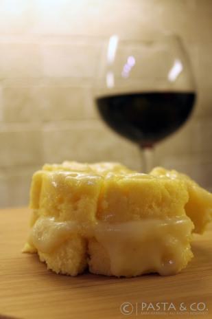 Cheesy Polenta | https://pastaandco.wordpress.com/2013/03/19/cheesy-polenta/